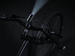 Booda Bike Banker Belt Driven Trekking Bike CDX CDN - usb front light