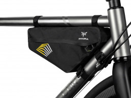 Apidura Racing frame pack 2.4l on bike