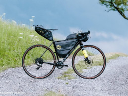 Apidura Expedition Saddle pack on Bike-Packing-Taschen-Bags-Test-Review-69-1140x760