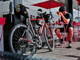 Apidura-Racing-Series-bikepacking-bags_trimmed-down-ultra-distance-Audax-Randonneur-race-packs_refueling