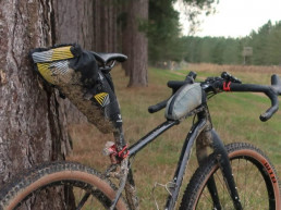 Apidura Racing saddle pack on bike