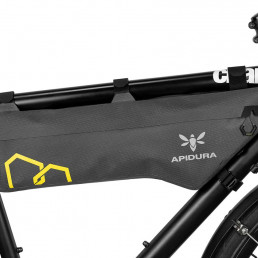 apidura-expedition-frame-pack-5.3l-on-bike-1