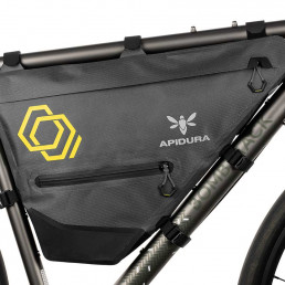 apidura-expedition-full-frame-pack-7.5l-on-bike-1-2