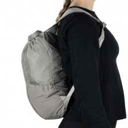 apidura-packable-backpack-13l-on-body-3