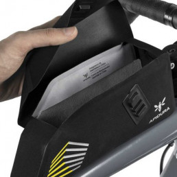 apidura racing bolt on top tube pack 1l opening