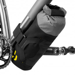 apidura-backcountry-downtube-pack-1.8l-on-bike-2