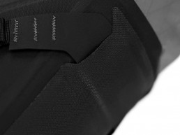 apidura-backcountry-saddle-pack-feature-abbrasion-patch